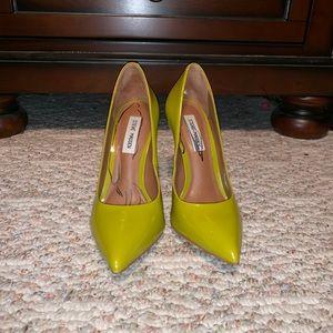 Steve Madden Golden Olive Green Pointed Toe Heel
